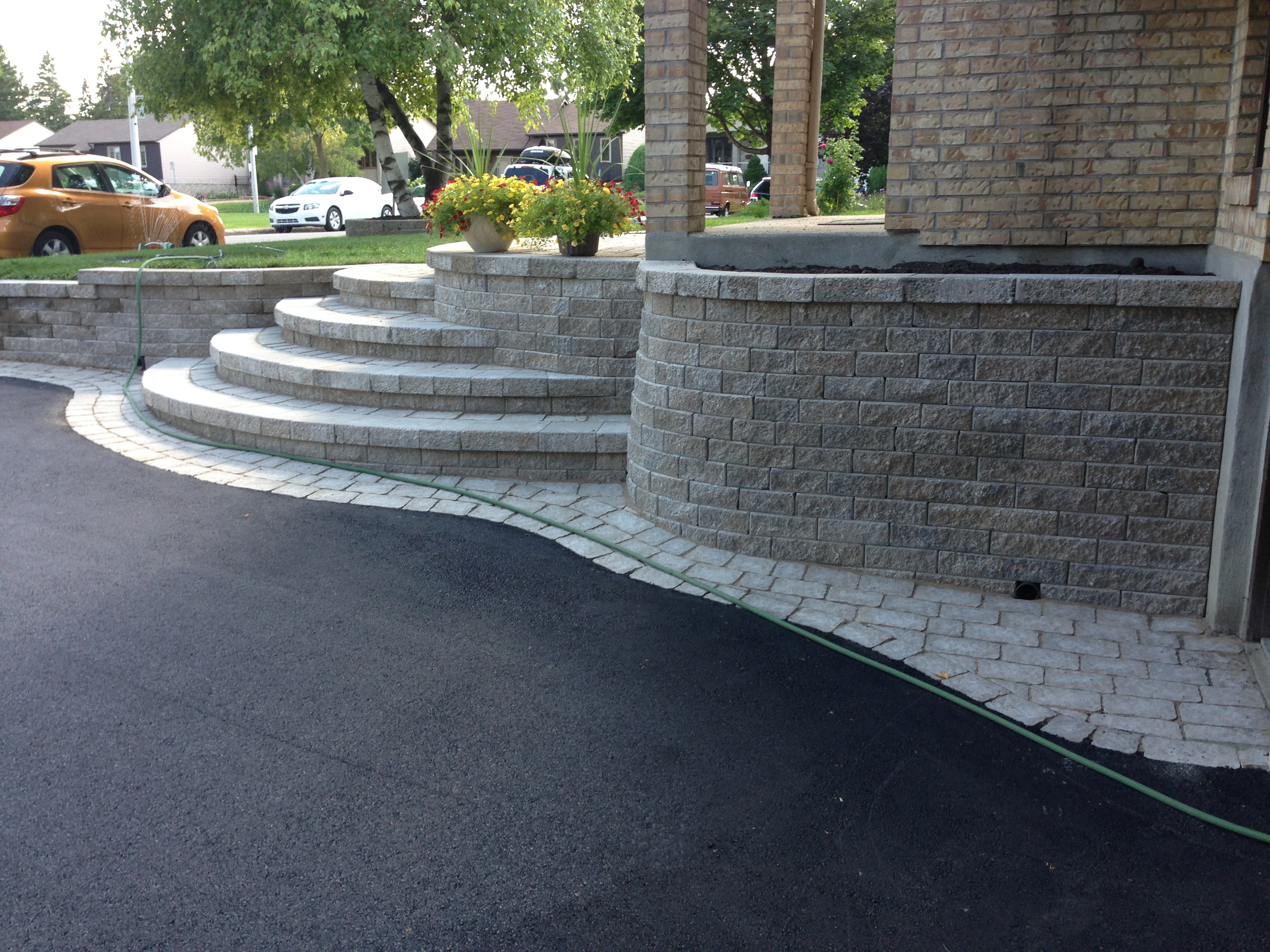 Paved Driveway round stairs Belval – Pavage Belval